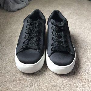 Brand New• [Steve Madden] Black sneakers